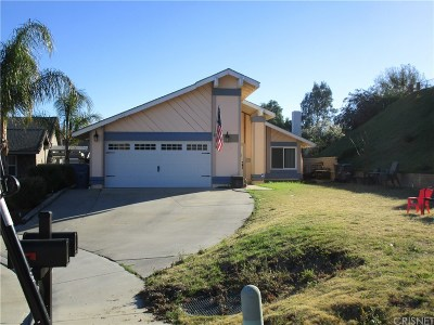 Saugus Single Family Home For Sale: 20774 Jenny Court
