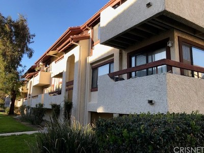 Canyon Country Condo/Townhouse For Sale: 18183 Sundowner Way #847