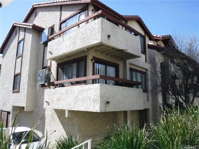 Canyon Country Condo/Townhouse For Sale: 18169 Sundowner Way #911