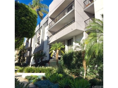 West Hollywood Condo/Townhouse For Sale: 906 North Doheny Drive #220