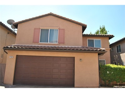 Saugus Single Family Home For Sale: 21145 Avenida De Sonrisa