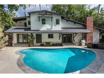 Single Family Home For Sale: 1611 North Doheny Drive