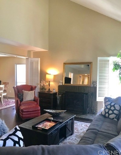 Simi Valley Condo/Townhouse For Sale: 1963 Suntree Lane #B