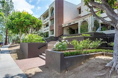 Woodland Hills Condo/Townhouse For Sale: 21650 Burbank Boulevard #114