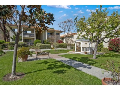 Calabasas Condo/Townhouse For Sale: 4726 Park Granada #214