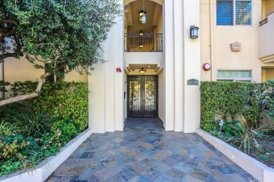 Toluca Lake Rental For Rent: 10640 Woodbridge #15