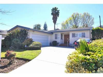 Woodland Hills Single Family Home For Sale: 22328 Gilmore Street