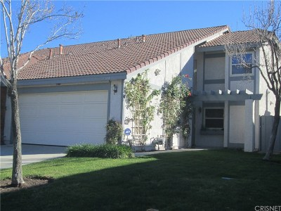 Canyon Country Condo/Townhouse For Sale: 15854 Rosehaven Lane