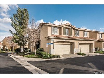 Saugus Condo/Townhouse For Sale: 25434 Pyramid Peak Drive