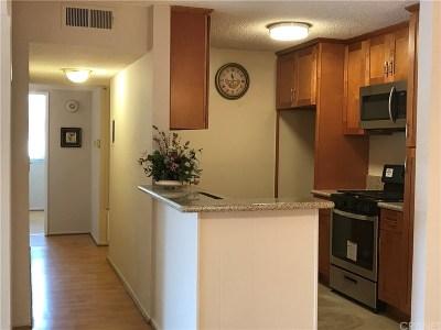 Tarzana Condo/Townhouse For Sale: 18620 Hatteras Street #281