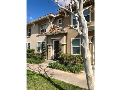 Valencia Condo/Townhouse For Sale: 24108 Meadowbrook Lane