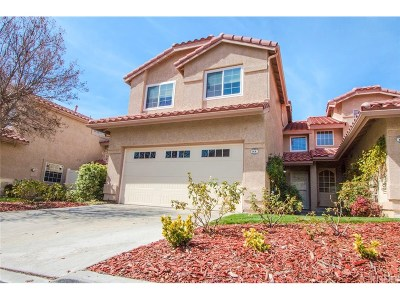 Saugus Condo/Townhouse For Sale: 28151 Bobwhite Circle #81