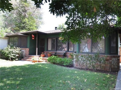 Woodland Hills Single Family Home For Sale: 22542 Clarendon Street