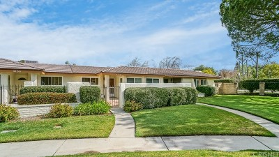 Westlake Village Condo/Townhouse For Sale: 4154 Lake Harbor Lane