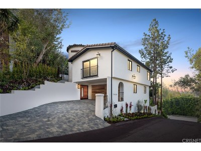 Sunset Strip - Hollywood Hills West (C03) Single Family Home For Sale: 7436 Del Zuro Drive