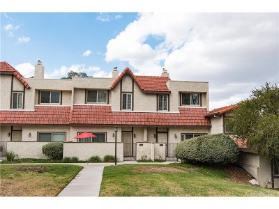 Canyon Country Condo/Townhouse For Sale: 18031 River Circle #5