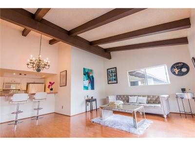 Los Angeles Condo/Townhouse For Sale: 2700 Cahuenga Boulevard East #2302