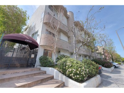 Condo/Townhouse For Sale: 15024 Moorpark Street #3