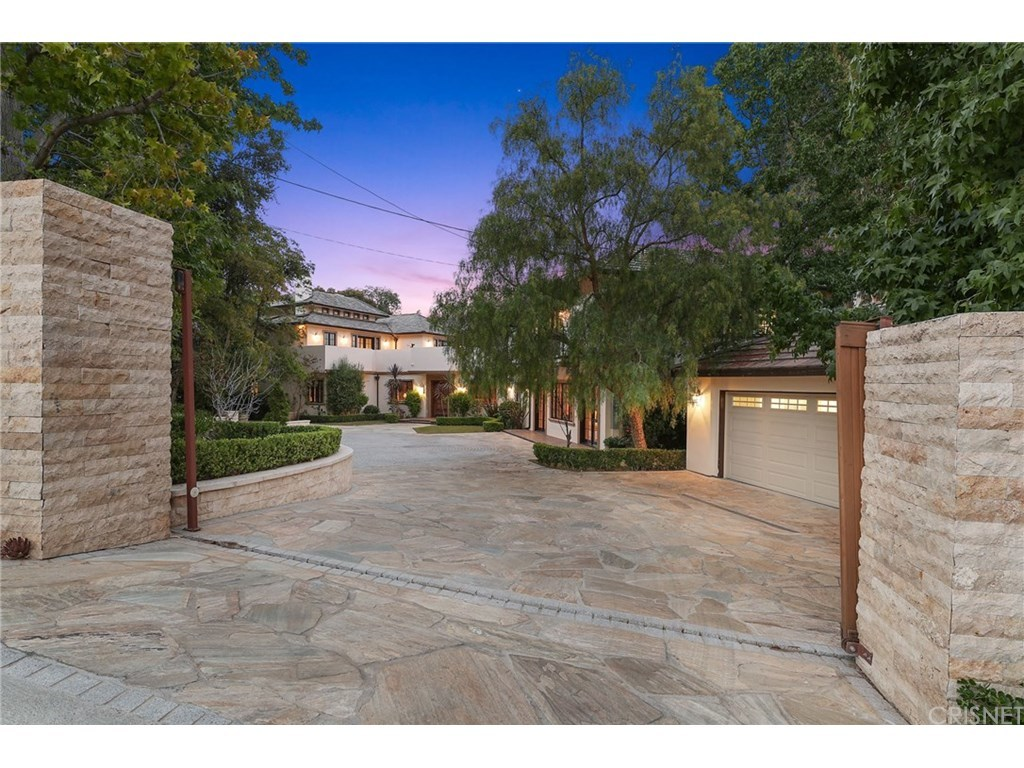 6 bed / 6 full, 2 partial baths Home in Brentwood for $5,899,000