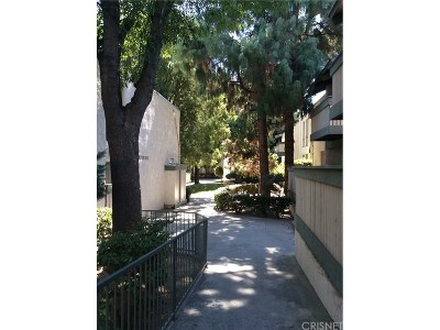 Canoga Park Condo/Townhouse For Sale: 8601 International Avenue #224