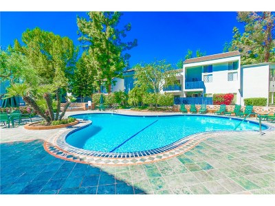 Tarzana Condo/Townhouse For Sale: 18645 Hatteras Street #122