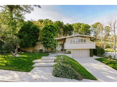 Tarzana Single Family Home For Sale: 19763 Greenbriar Drive