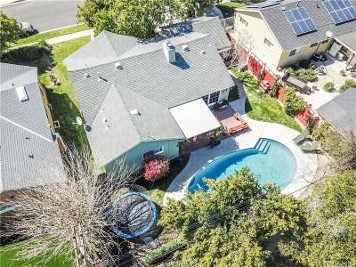 Northridge Single Family Home For Sale: 8722 Oakdale Avenue