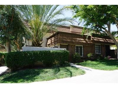 Chatsworth Condo/Townhouse For Sale: 10145 Larwin Avenue #3