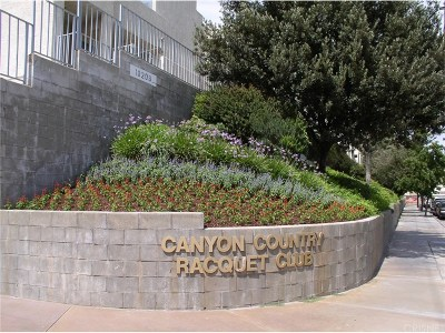 Canyon Country Condo/Townhouse For Sale: 18209 Sierra #75