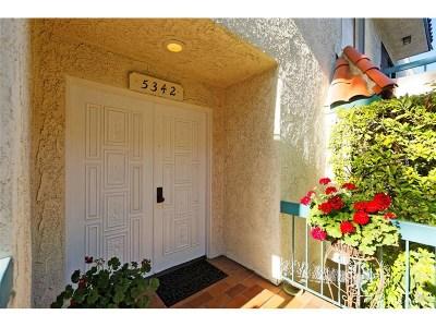 Encino Condo/Townhouse For Sale: 5342 Zelzah Avenue