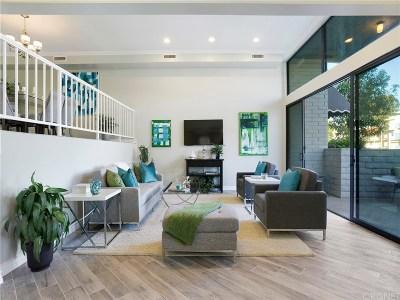 Encino Condo/Townhouse For Sale: 5365 White Oak Avenue #A