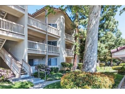 Oak Park Condo/Townhouse For Sale: 5837 Oak Bend Lane #204