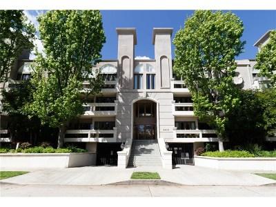 Condo/Townhouse For Sale: 4415 Saugus Avenue #205