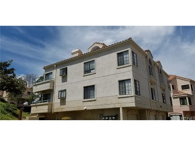 Canyon Country Condo/Townhouse For Sale: 18009 Flynn Drive #514