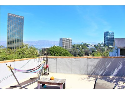 Sunset Strip - Hollywood Hills West (C03) Single Family Home For Sale: 3915 Fredonia Drive