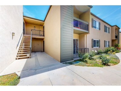 Valencia Condo/Townhouse For Sale: 24434 Nicklaus Drive #M4