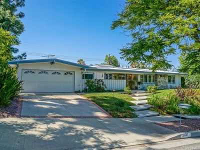 Woodland Hills Single Family Home For Sale: 23731 Ladrillo Street