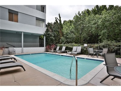 West Hollywood Condo/Townhouse For Sale: 7259 Hillside Avenue #105