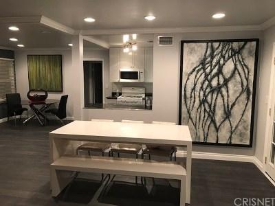 Chatsworth Single Family Home For Sale: 9957 Delco Avenue
