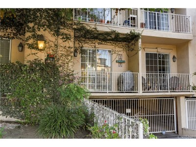 Studio City Condo/Townhouse For Sale: 11445 Moorpark Street #4