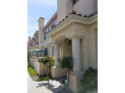 Canyon Country Condo/Townhouse For Sale: 18122 Flynn Drive #3106