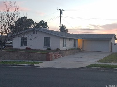 Canyon Country Single Family Home For Sale: 27939 Bernina Avenue