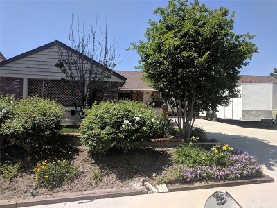 Canyon Country Single Family Home For Sale: 15348 Rhododendron Drive