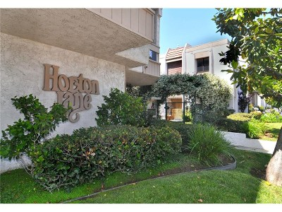 Encino Condo/Townhouse For Sale: 17150 Burbank Boulevard #36