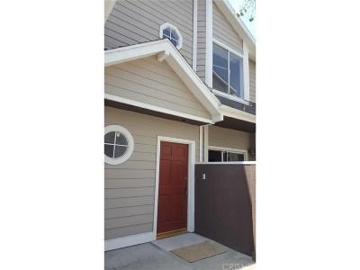 Canoga Park Condo/Townhouse For Sale: 8624 De Soto Avenue #131