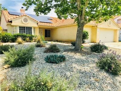 Palmdale Single Family Home For Sale: 2547 Sandstone Court