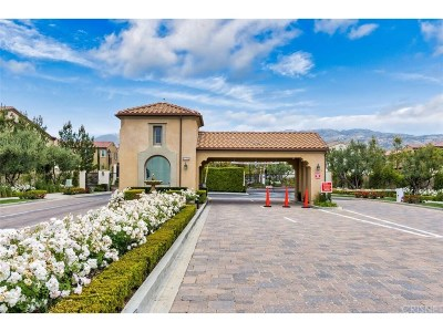 Porter Ranch Condo/Townhouse For Sale: 20338 Paseo Los Arcos