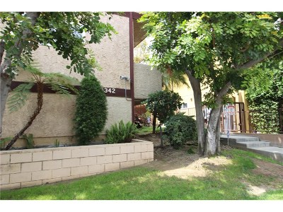 Northridge Condo/Townhouse For Sale: 18342 Malden Street #7