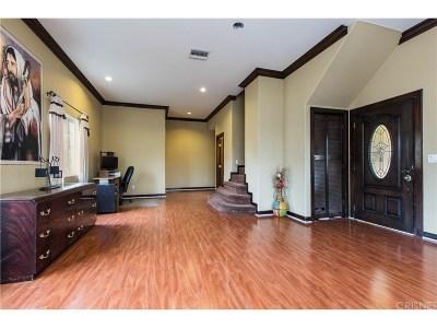 Sunland Single Family Home For Sale: 10227 Whitegate Avenue