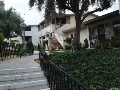 Los Angeles County Condo/Townhouse For Sale: 19724 Avenue Of The Oaks #54
